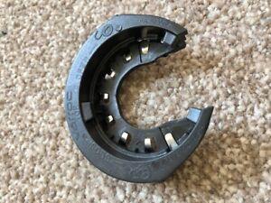 Jaguar Range Rover Xenon HID Headlight Bulb Retainer lock ring VP8M5X-13N019-A