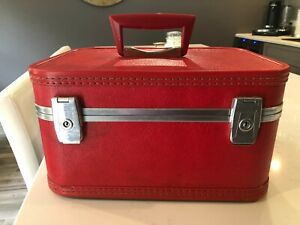 Vintage RED Luggage Overnight Travel Train Makeup Case/Suitcase.
