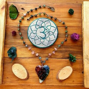 'The Crystal Caves' Necklace Rainbow Heart Dragons Vein Pendant Agate Beads
