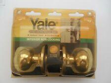 Yale Interior Non-Locking Door Knobs New in Original Package
