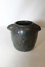 Vase en grès ST AMAND en PUISAYE décor drapés couleur ton vert signé G.F.C