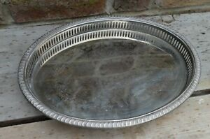 VINTAGE EPNS GALLERY CHASED OVAL SHAPE SERVING TRAY - CHRISTMAS DRINKS!