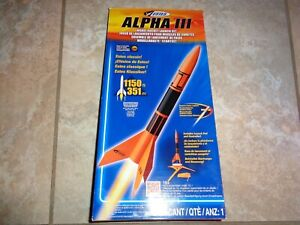 1427 Estes Alpha III Model Rocket Launch Kit including 3 B6-2 Rocket Engines