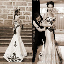 Vintage Gothic Wedding Dress Black and White Long Appliques Mermaid Bridal Gowns