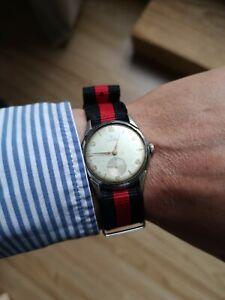 Montre mecanique Record Longines ancienne  Swiss à réparer pour pièces bracelet