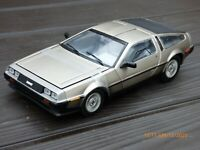 Rare DMC DeLorean 1:18 American Sports Toy Car Unusual Model Collectible New