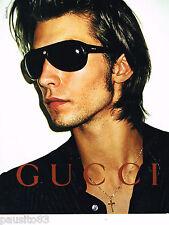 PUBLICITE ADVERTISING 065  2001  GUCCI   lunettes solaires homme