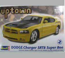 Revell Monogram 1:25 - 2007 Dodge Charger Srt8 Super B - 125 Scale Plastic