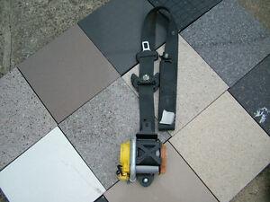 2005-2008 ACURA RL FRONT PASSENGER SIDE ( RH ) SEAT BELT RETRACTOR ( BLACK ) OEM