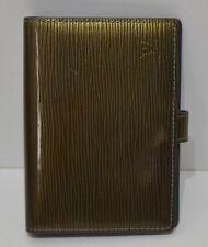 Louis Vuitton, Agenda en cuir épi verni vert bronze (hologramme) et son stylo