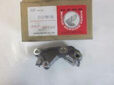 Honda VF 750 C HALTER BREMSSATTEL VORNE 45110-MN0-006 /