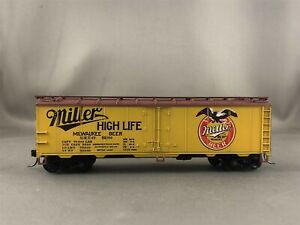 Train Miniature - Miller - 40' Steel Reefer + Wgt # 82160 w/Kadees