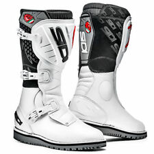Stivali bianchi marca Sidi per motociclista