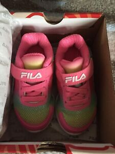 New In Box!! FILA Infant Girls' Crater 5 USA Multi-Color Size 5 Sneakers