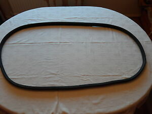 FORD TAUNUS 12M 1960-1964 FRONT SCREEN RUBBER.SCREEN SEAL.WINDSCREEN SEAL.