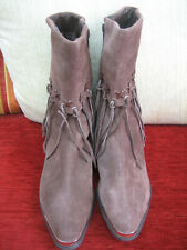 OAK TREE FARMS BROWN SUEDE BOOTS - SIZE 5 - APPEAR TO BE UNWORN