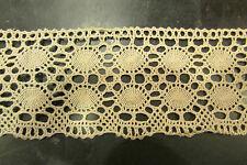 ancien gros galon de dentelle au crochet de couleur beige  10 m 70 x 6,8 cm