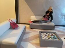 Barbie doll 1/6 scale  furniture white faux leather sofa set and coffee table..