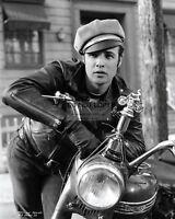 """MARLON BRANDO IN THE FILM """"THE WILD ONE"""" - 8X10 PUBLICITY PHOTO (AB-636)"""