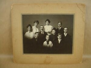 Vintage 8x10 Portrait of Husband Wife & Eight Children 1904s Circa