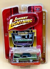 JOHNNY LIGHTNING 2008 CLASSIC GOLD, '69 LINCOLN CONTINENTAL MARK III. #3 R42