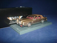 Lincoln MK6 Sedan Beige over Grey 1979 NEO 43540 1:43
