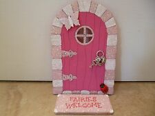MAGICAL  PINK & WHITE GLITTER FAIRY DOOR WITH LOCK & KEY, & FAIRY MAT