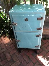 Vintage Metal Ice Chest Esky Fridge