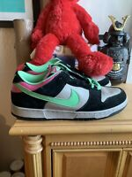 Nike Dunk Low Sz 9 Poison green magnet pink