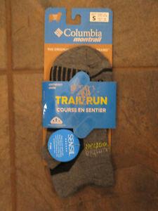 COLUMBIA UNISEX CHARCOAL TRAIL RUN LIGHTWEIGHT WOOL LOW CUT SOCKS SIZE SMALL NEW