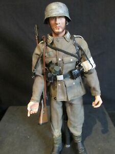 Dragon/21ST Century/1/6th scale WW 11 GERMAN SOLDIER (OO)