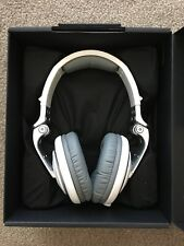 NEW Pioneer HDJ2000 DJ Headphones in WHITE