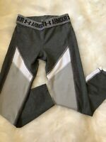 Women's Under Armour 3/4 Athletic Size Small/Medium Gray Compression Leggings