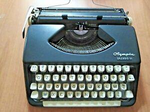 vintage macchina da scrivere anni '60 OLYMPIA SPLENDID 33 con custodia