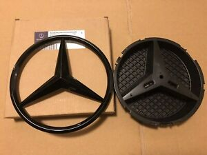 MERCEDES A,C,GLA,GLK,CLA,CLS,E Class FRONT GRILLE STAR BADGE Gloss Black W/ Base