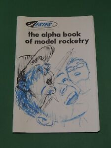 "ESTES Flying model ""The Alpla book of model rocketry"" - Ancien livret 1976"