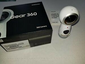 Samsung Gear 360 4K Spherical VR Camera - White 2017 Model