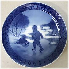 Royal Copenhagen Blue Christmas Plate 1965 Kai Lange Little Skaters 7""