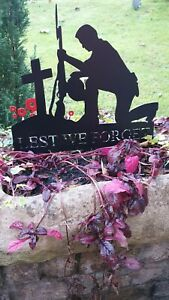 Metal Soldier - Kneeling 'Lest We Forget' Soldier- with spike -Special Edition