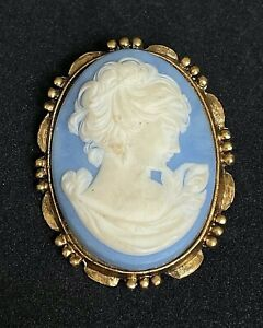 """Vintage Gold Tone Blue & White Carved Celluloid Cameo Brooch Pendant 2"""" M06"""