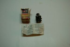 NEW CUTLER HAMMER 10250T6153 ILLUMINATED SELECTOR SWITCH OLD STOCK
