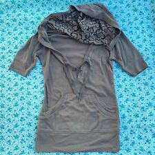New Womens One Step Up Gray Hooded V-Neck Top w Heart Design In Hood Jrs S Small