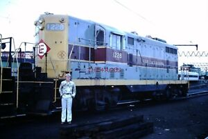 Original 1976 Erie Lackawanna GP7 Locomotive Hoboken Slide 6779