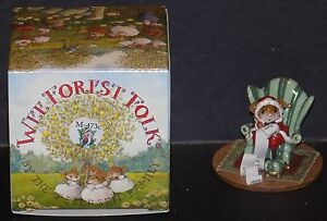 WEE FOREST FOLK CHRISTMAS CHECKING IT TWICE SANTA MOUSE M-473C