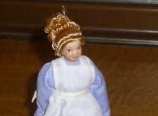 Puppenstubenpuppe Dienstmädchen Kleidung blau Miniatur 1:12 Puppenhaus