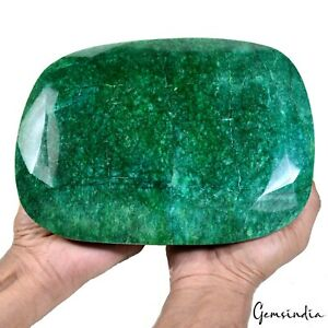 22150 Ct/4.43 Kilo Natural Green Emerald Oval Cut Earth mined Gemstone W Stand