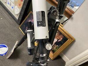 Meade Polaris 285 60mm Refractor Telescope. EUC