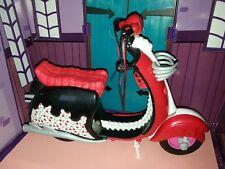 MONSTER HIGH Moto Scooter (de Ghoulia Yelps) en très bon état, avec sa béquille