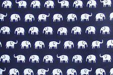 Material de escala 1:12 negro con un patrón de Elefante Blanco Casa De Muñecas tela B