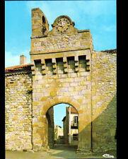 MONTPEYROUX (63) PORTE Fortifiée du XIII° Siécle , avec HORLOGE , Cité MEDIEVALE